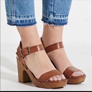 NWT Size 7.5 MIA Sandals